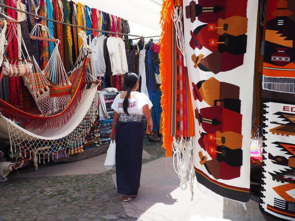 Visiter le marché d'Otavalo en Equateur